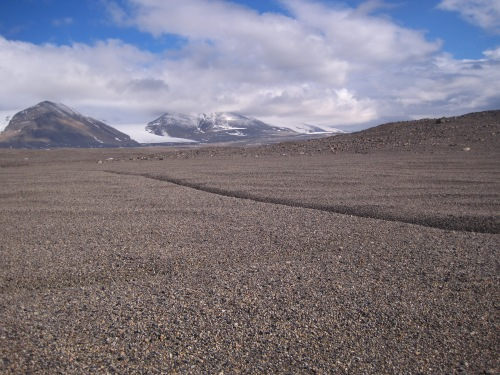 The Dry Valleys are aptly named: so little precipitation falls here that snow does not build up to form glaciers.
